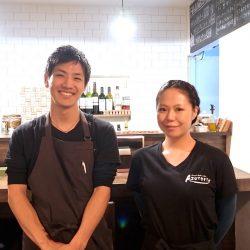 Azuteriaのシェフ野中さんと店長上田さん