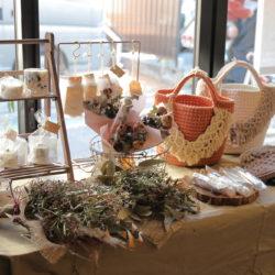 廃棄される花「ロスフラワー」に新たな命を…町屋PRESSOでカフェ&マルシェ