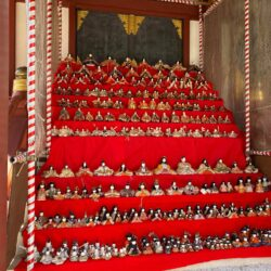 素盞雄神社で2021年の雛人形の展示が開始!