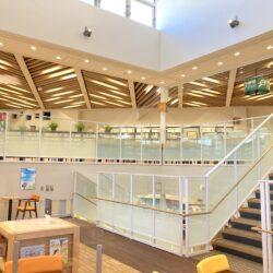 新しい尾久図書館がついにオープン!公園のような「ずっといられる場所」に