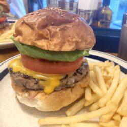 荒川区からすぐ!根岸のCannonball Dinerの手ごねパティハンバーガーが肉肉しい