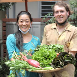 東尾久の路地裏で販売開始。はだし有機農園の有機野菜は生命力たっぷり!