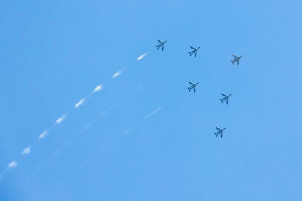 ブルーインパルスの予行飛行を撮ってみた! 撮影の注意点は?